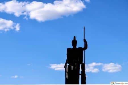diosa minerva monumento