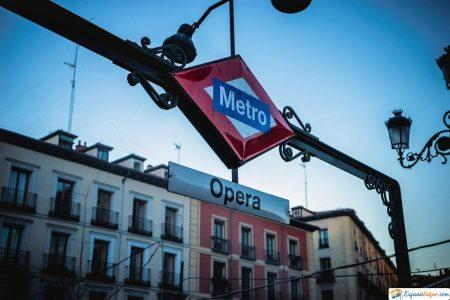 estacion del metro opera