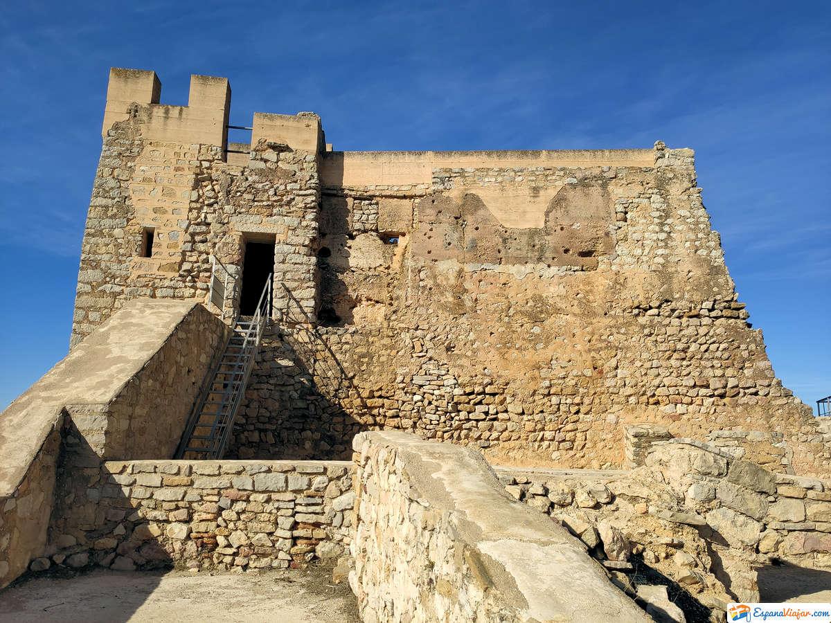 castillo-de-alcalá-de-xivert-patio-de-armas