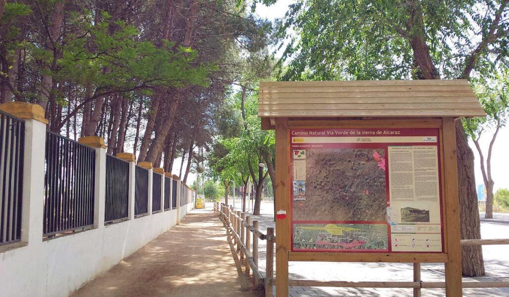 Camino hacia la Sierra de Alcaraz