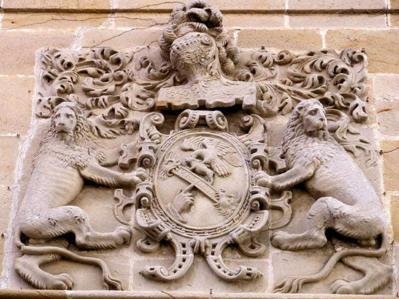 Casa Azcarraga escudo