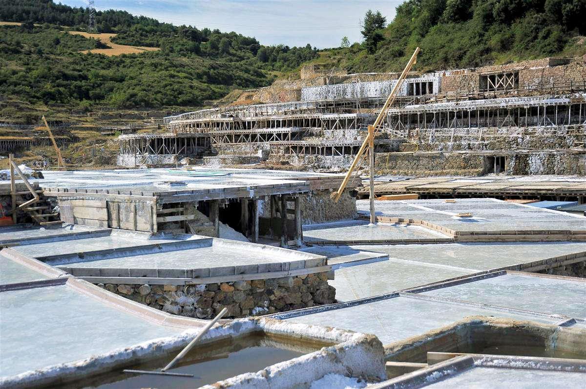SALINAS DE AÑANA-Monumentos y sitios de interés