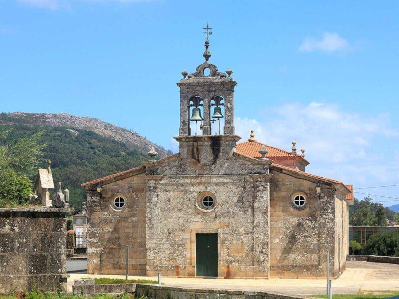 Iglesia Parroquial de San Juan de Serres en Muros