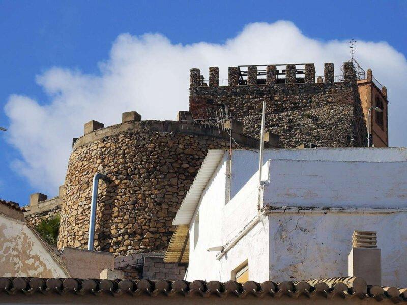 Lateral del Castillo de Serón