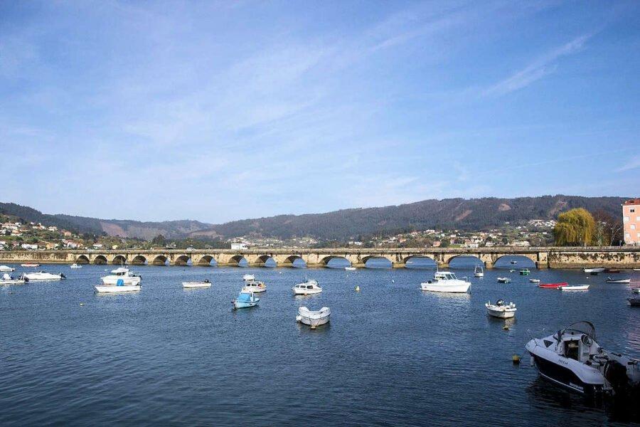 Puente de Pontedeume en A Coruña