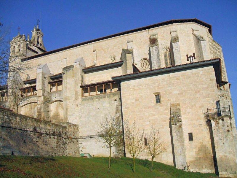 Visitar las iglesias de Salvatierra