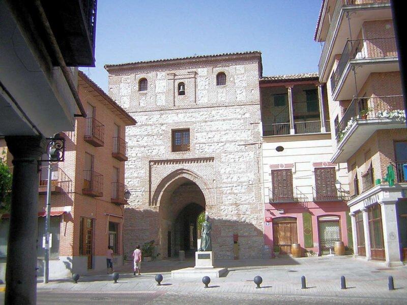 Arco de Alcocer-Arévalo