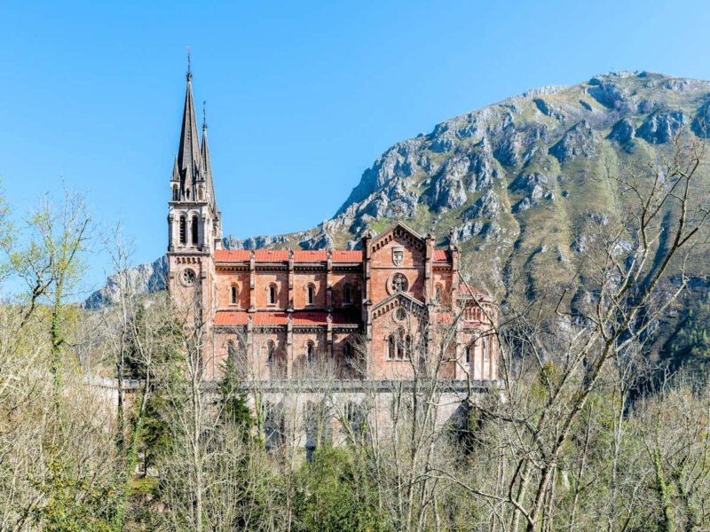 Basícila de Covadonga en Congas de Onís