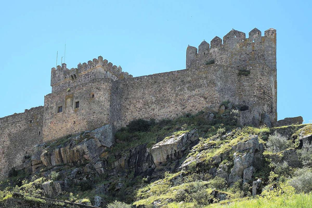 castillo-medieval-de-Luna-Alburquerque
