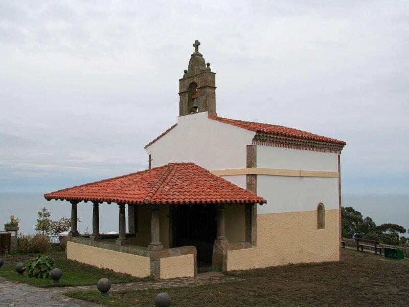 Ermita de San Roque en Lastres