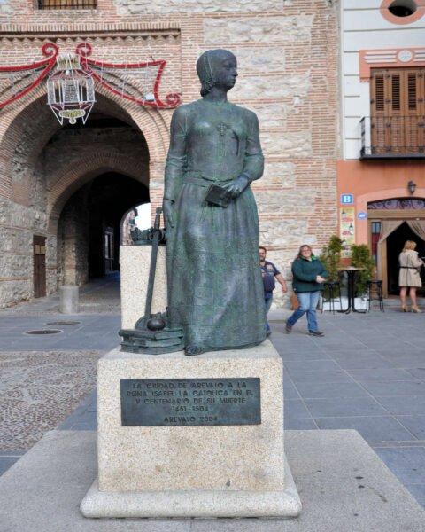 Estatua de Isabel la Católica-Arévalo