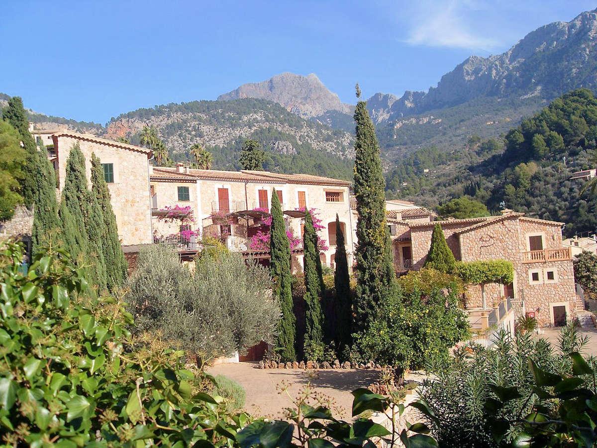 FORNALUTX-un-pueblo-de-Mallorca