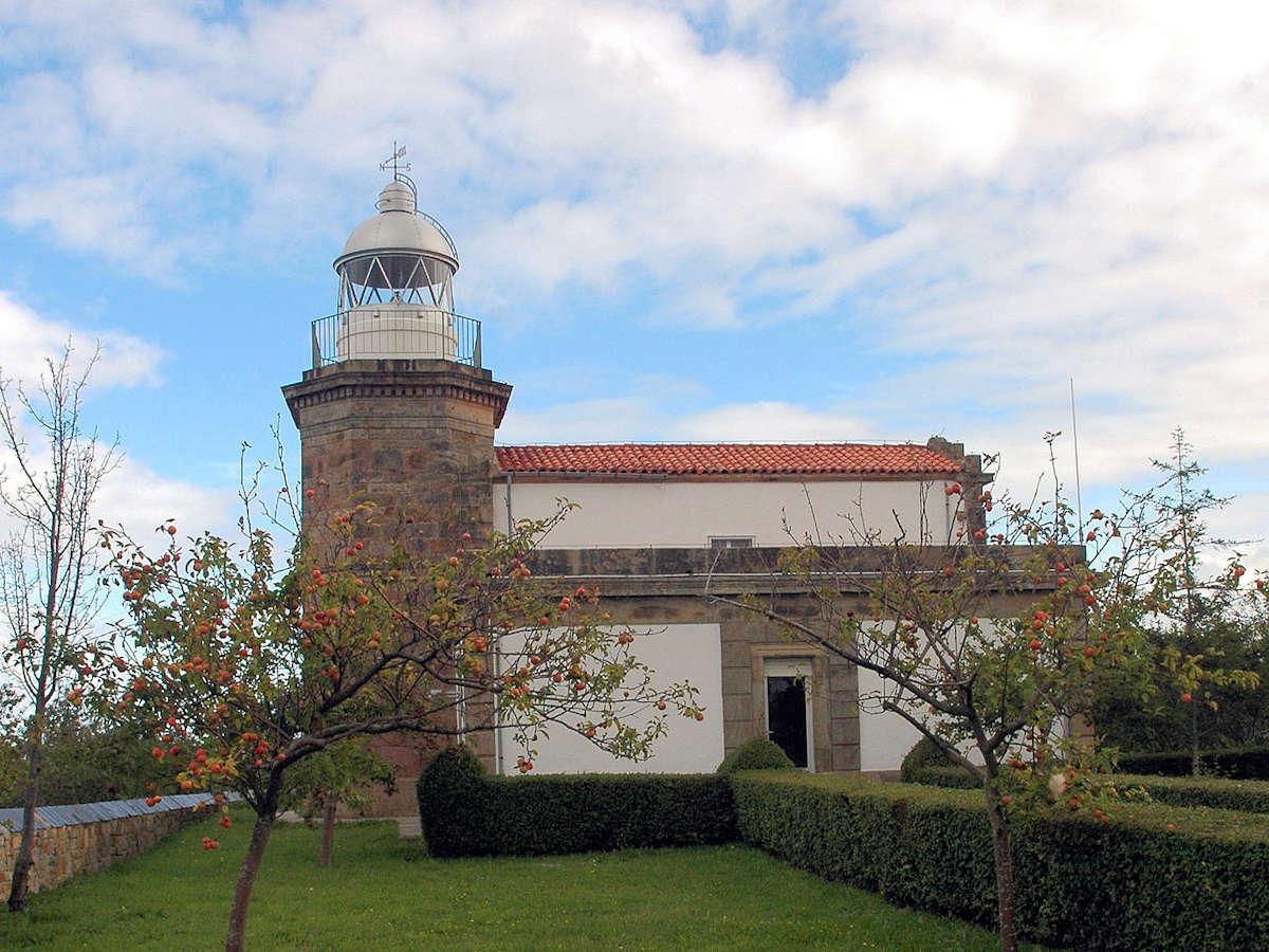 Faro-de-Tazones-Asturias