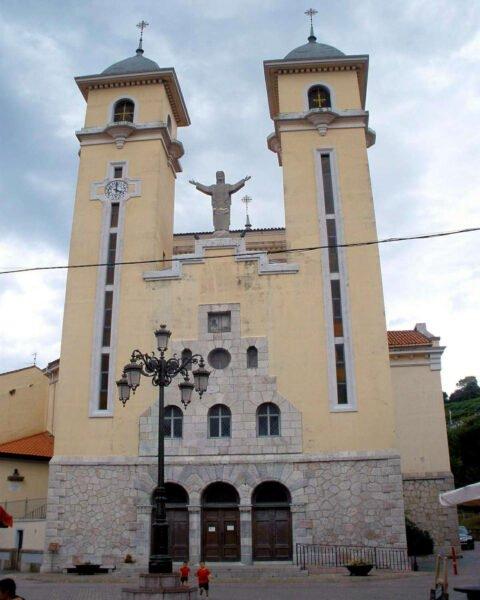Iglesia de Santa María Magdalena en Ribadesella
