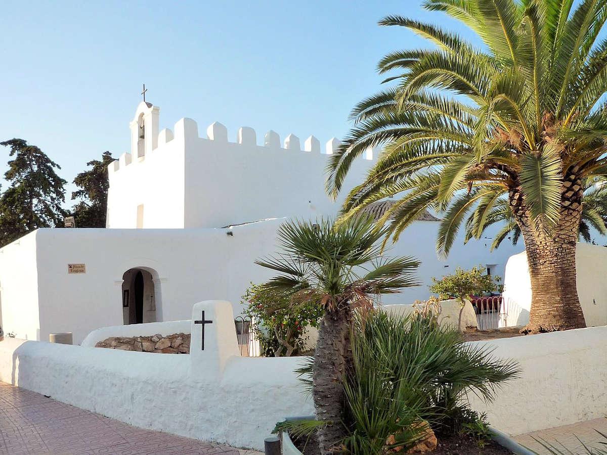 iglesia-parroquial-en san-josé-Ibiza