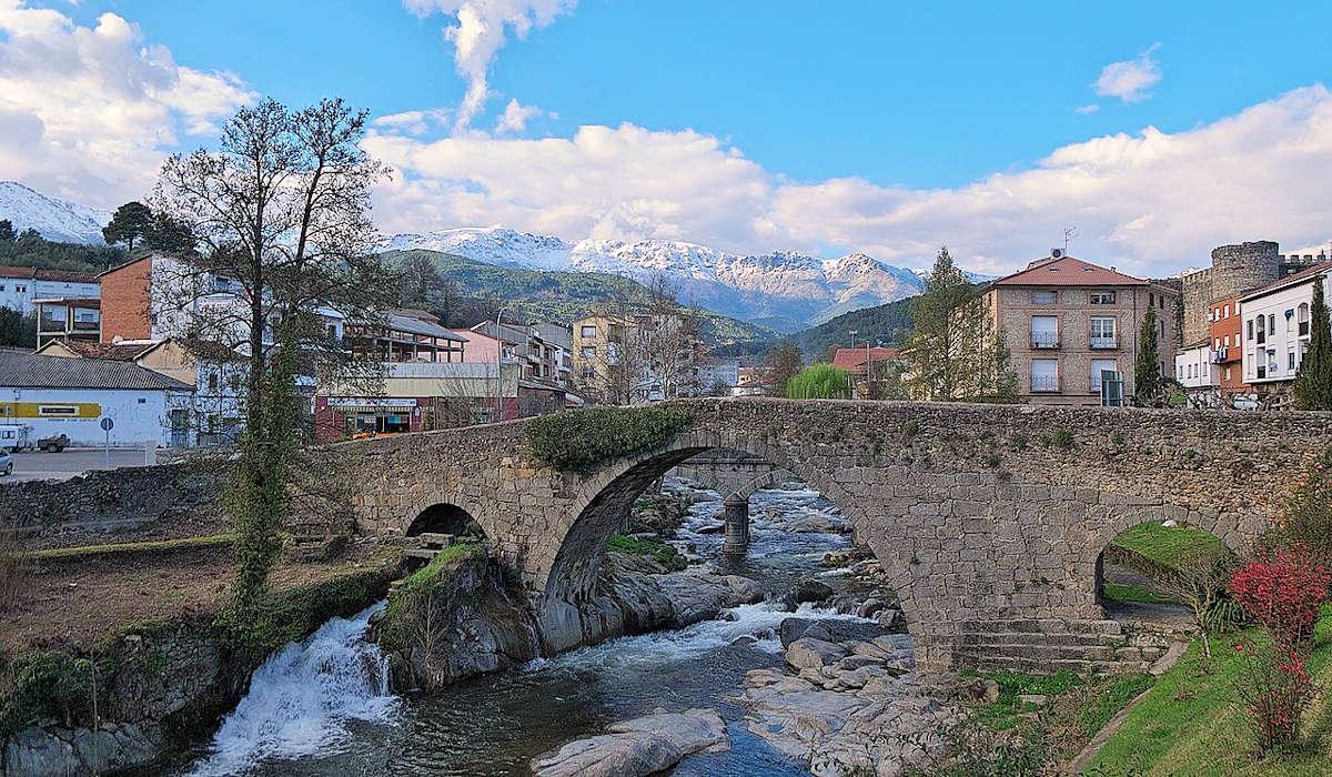 Visitar-Arenas-de-San-Pedro-Puente-romano