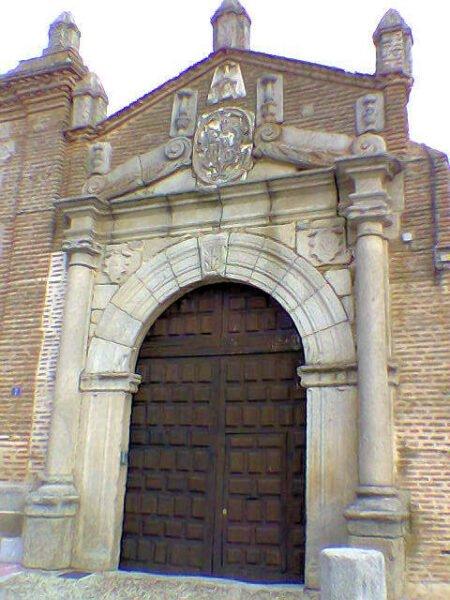 Puerta del Palacio de los Condes