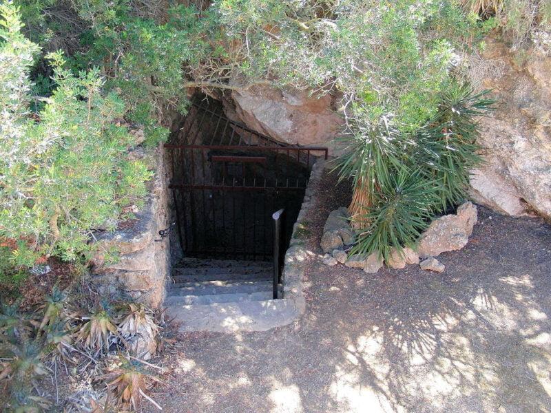 Cuevas en Santa Agnés de Corona
