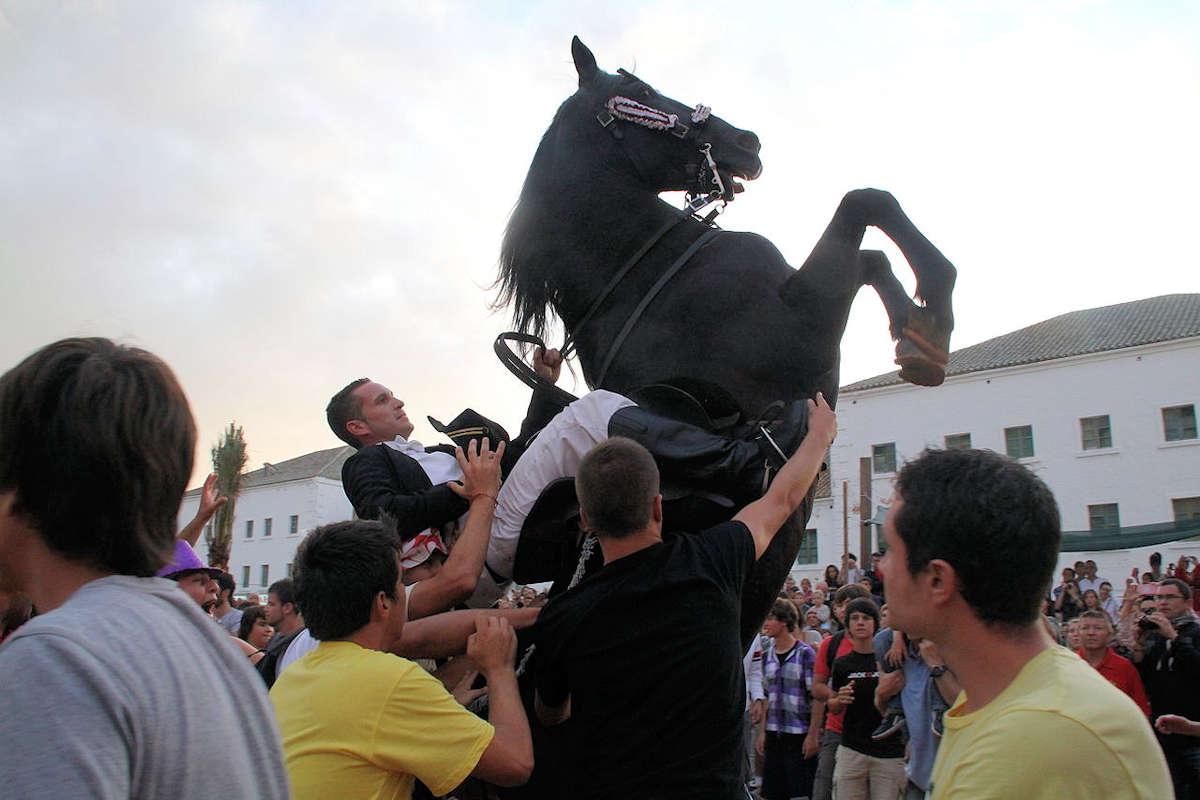fiestas-tradicionales-es-castell