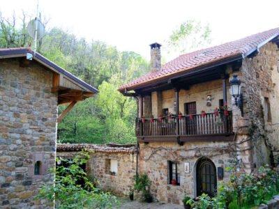 BÁRCENA MAYOR-Pueblo de Cantabria