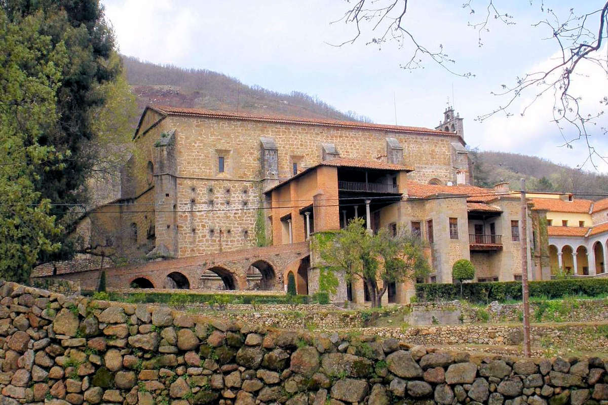 CUACOS DE YUSTE-Pueblo de Cáceres