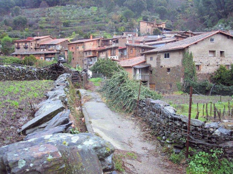 Caminos en Robledillo de Gata