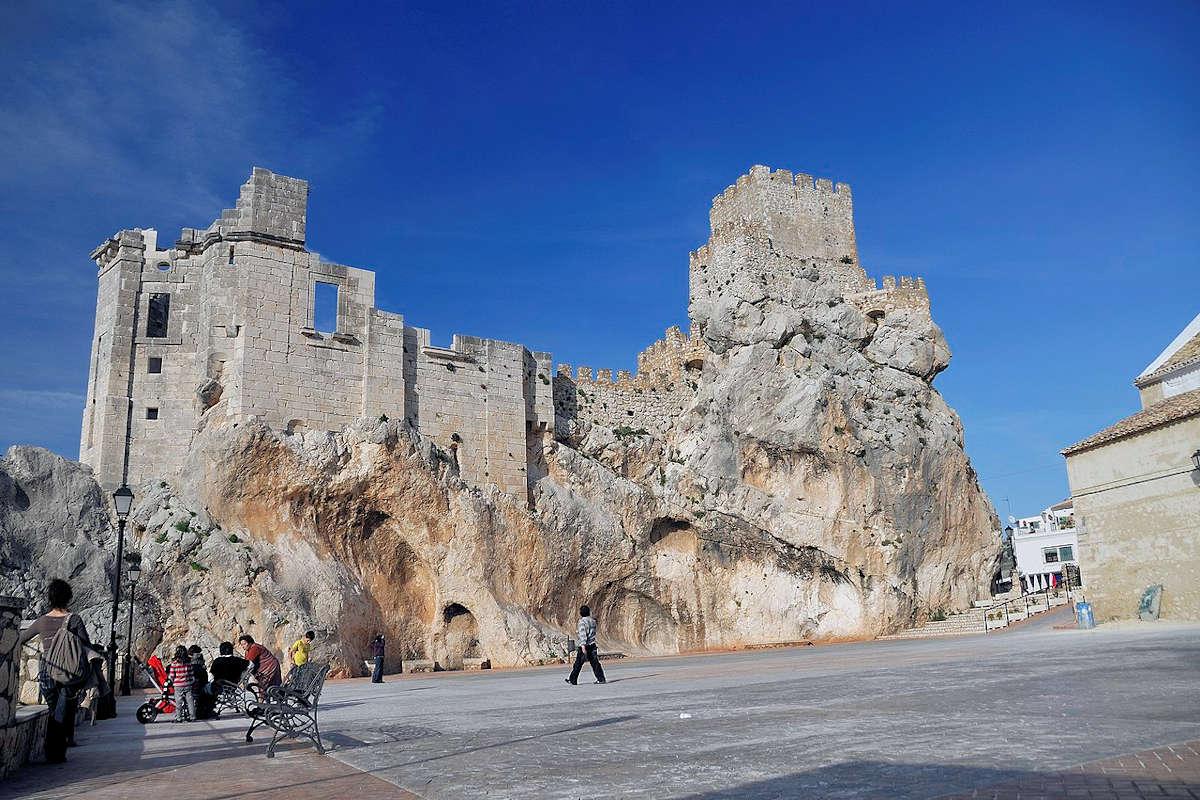 castillo-pueblo-de-zuheros-cordoba