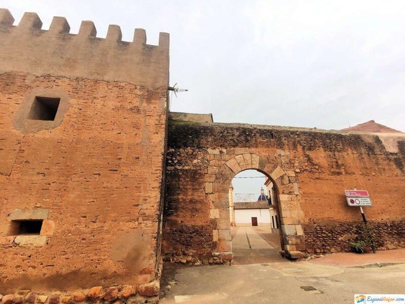 Entrada trasera de las murallas