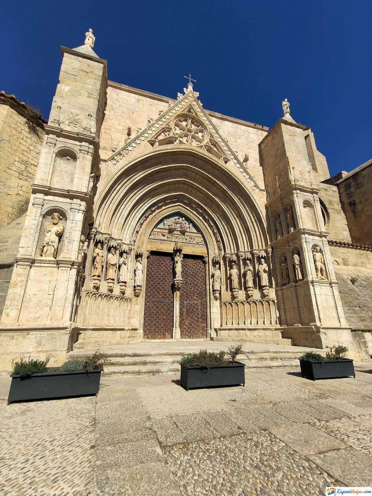 iglesia-santa-maria-la-mayor-morella-cantabria