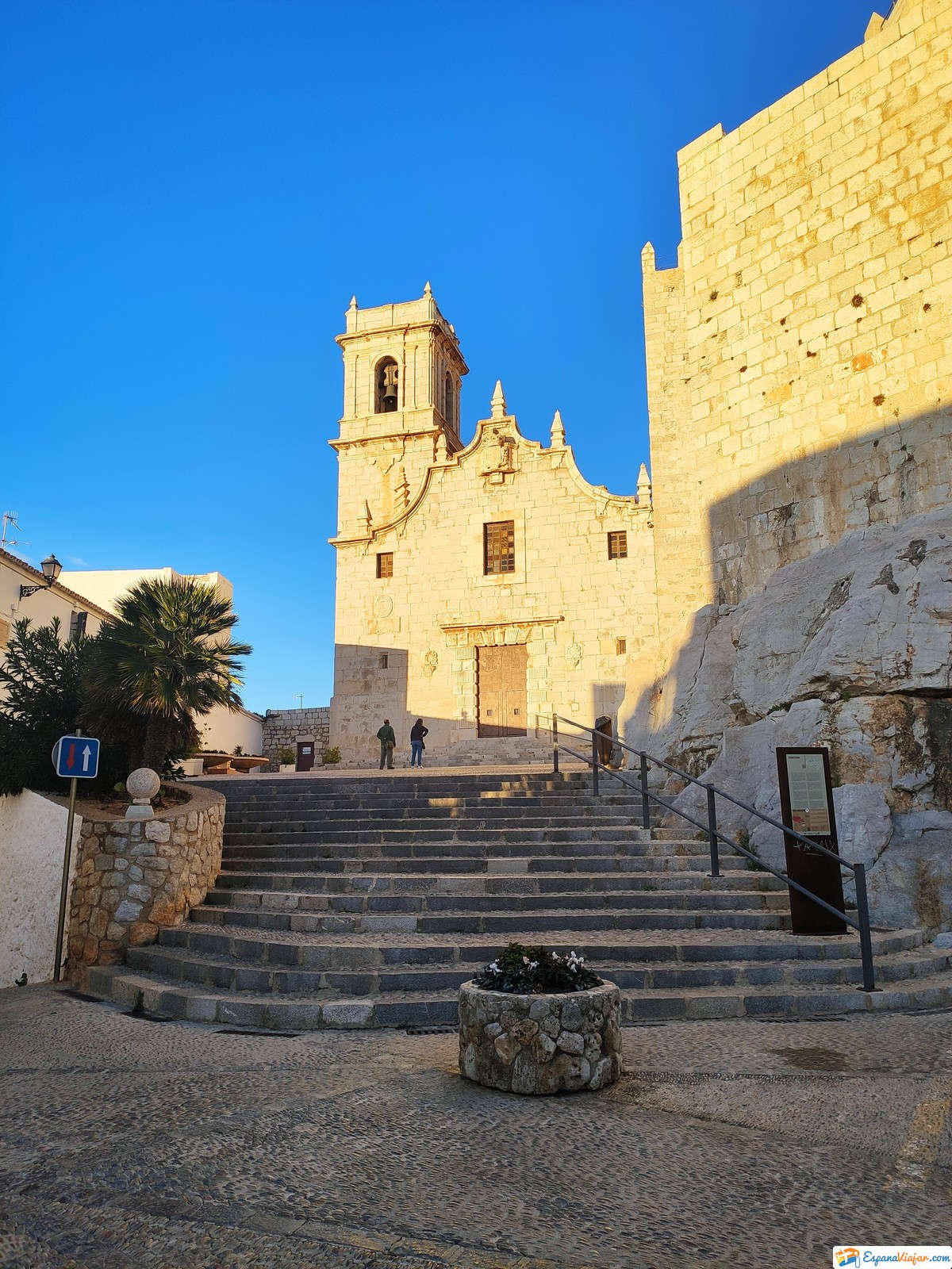 calles-pueblo-de-peñíscola-en-la-provincia-de castellón
