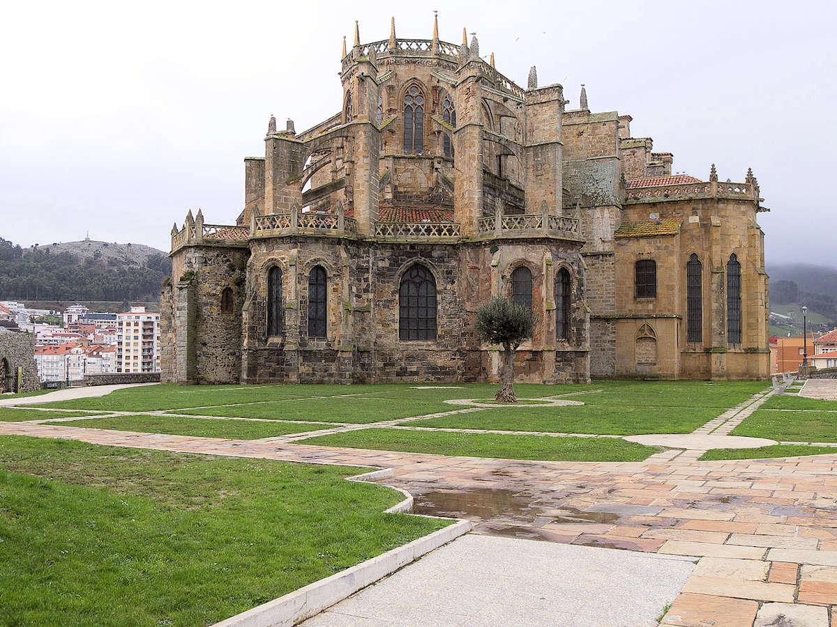 palacio-castillo-de-ocharán-en castro-urdiales-cantabria