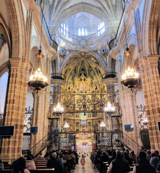 Interior Basílica de Guadalupe en Cáceres