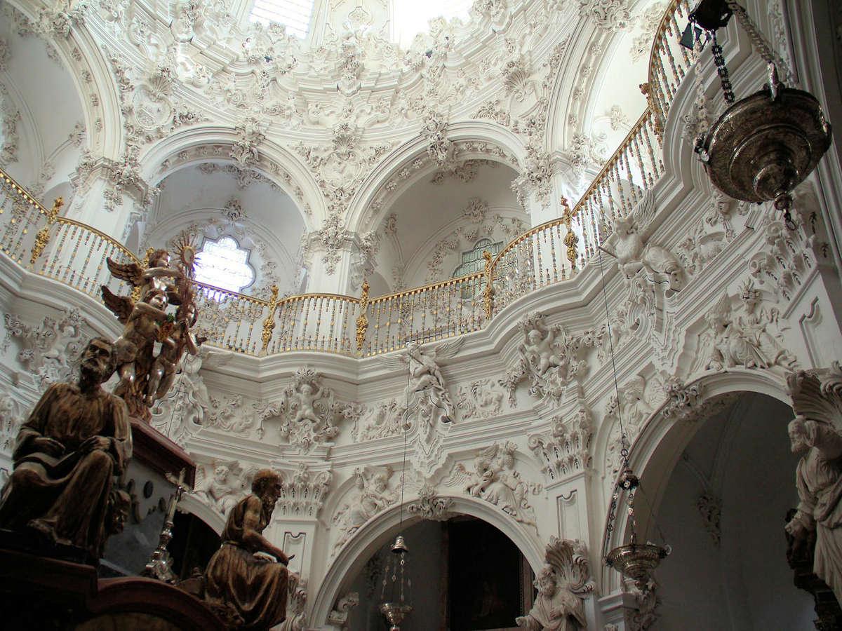 interior-iglesia-de-la-asuncion-en-priego-de-cordoba