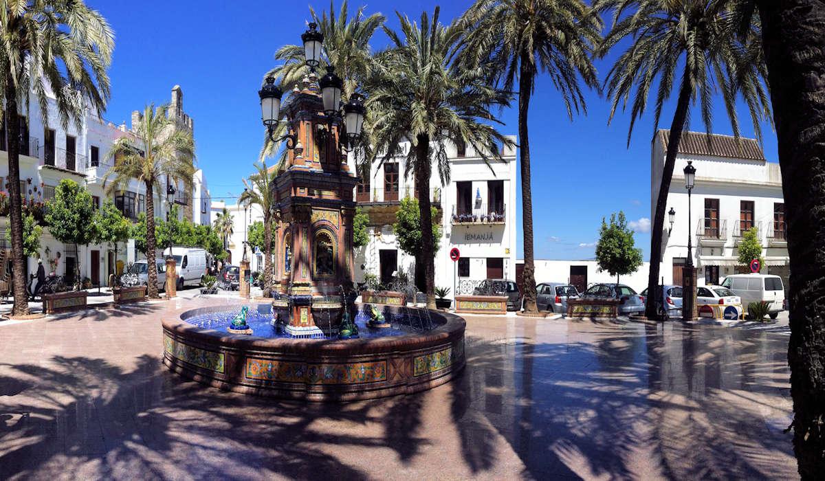 plaza-españa-pueblos-de-cadiz-vejer