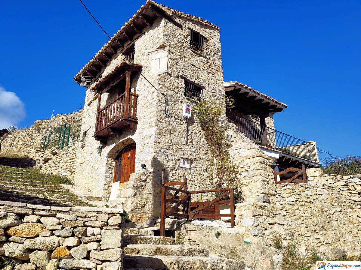 Fuente-de-la-Pinella-Barranco-dels-Horts-ares-del-maestrat-