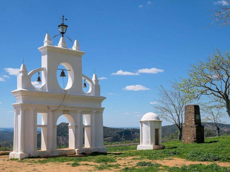 Campanario de la Ermita Reina de los Ángeles