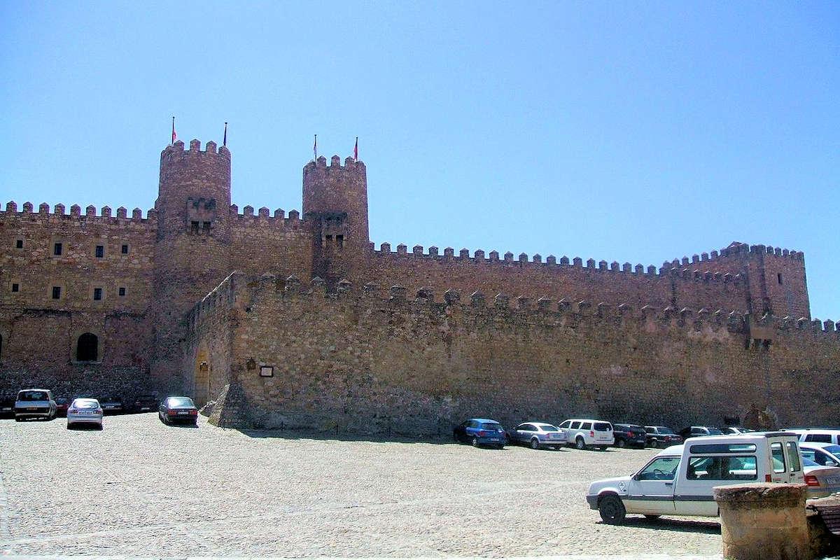 plaza-de-armas-castillo-sigüenza-guadalajara