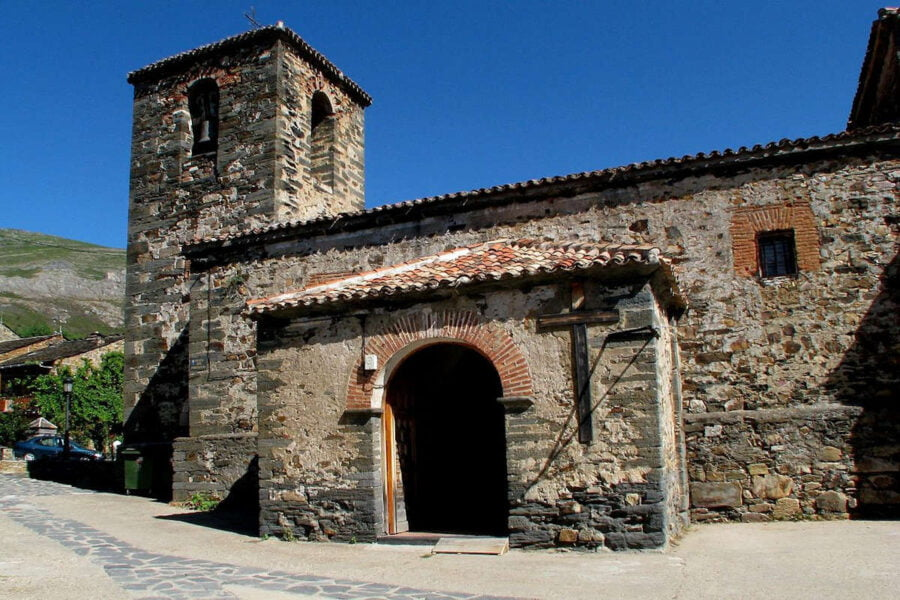 Iglesia de San Ildefonso en Valverde de los Arroyos