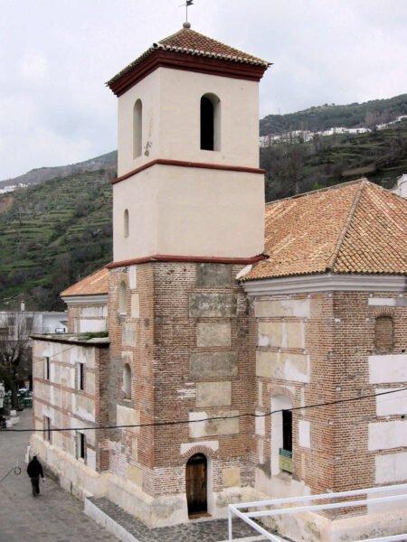 Iglesia de la Santa Cruz en Pampaneira