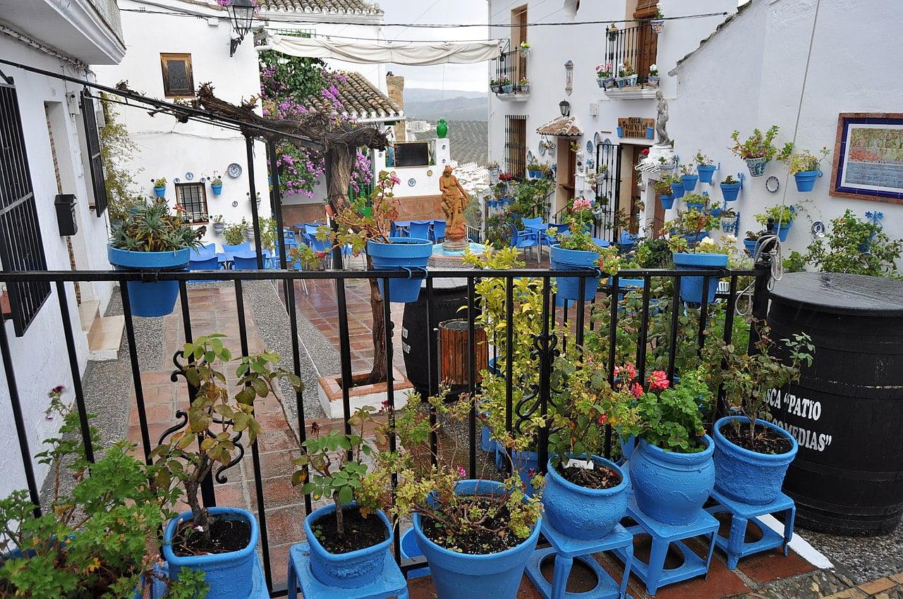 visitar-pueblos-de-cordoba-en-andalucía-iznájar