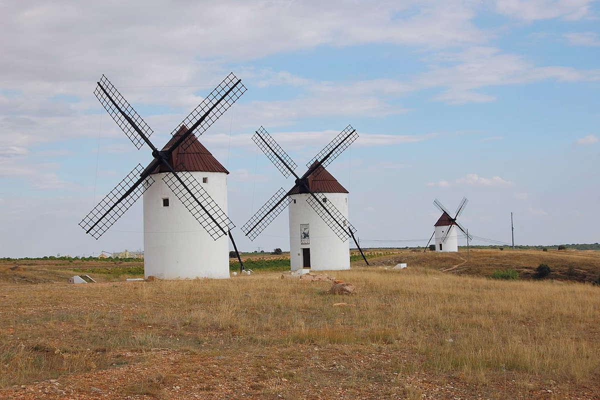 molinos de viento-mota-del-cuervo-cuenca