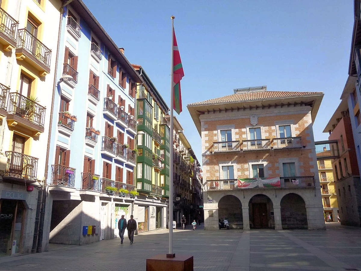 plaza -ayuntamiento-tolosa-guipuzcoa