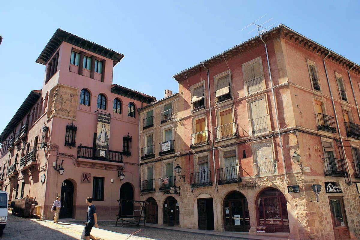 sigüenza-un-pueblo-castellano-manchego-en guadalajara
