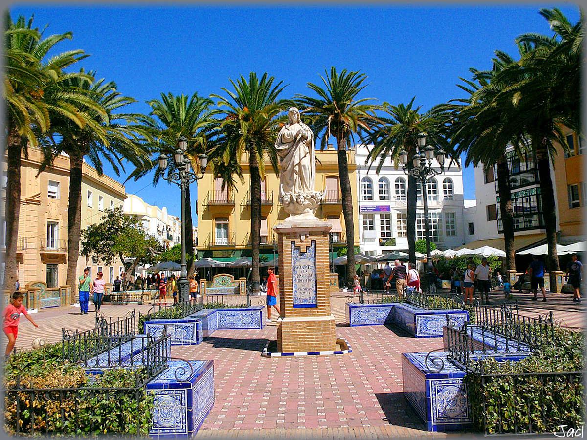 Plaza-de-la-laguna-Ayamonte