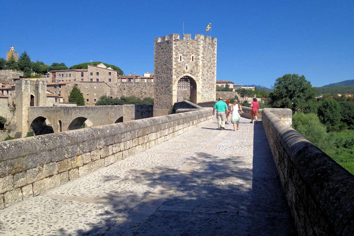 puente-romanico-en-besalú-girona