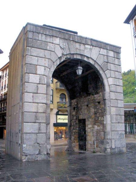 Puerta de Castillo en Tolosa