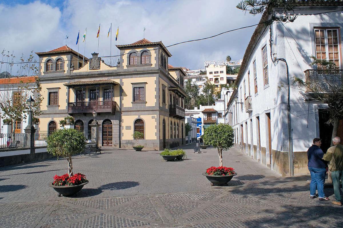 Plaza-Teresa-de-Bolívar-Teror-Gran-Canaria