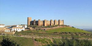 BAÑOS DE LA ENCINA-Pueblo de Jaén