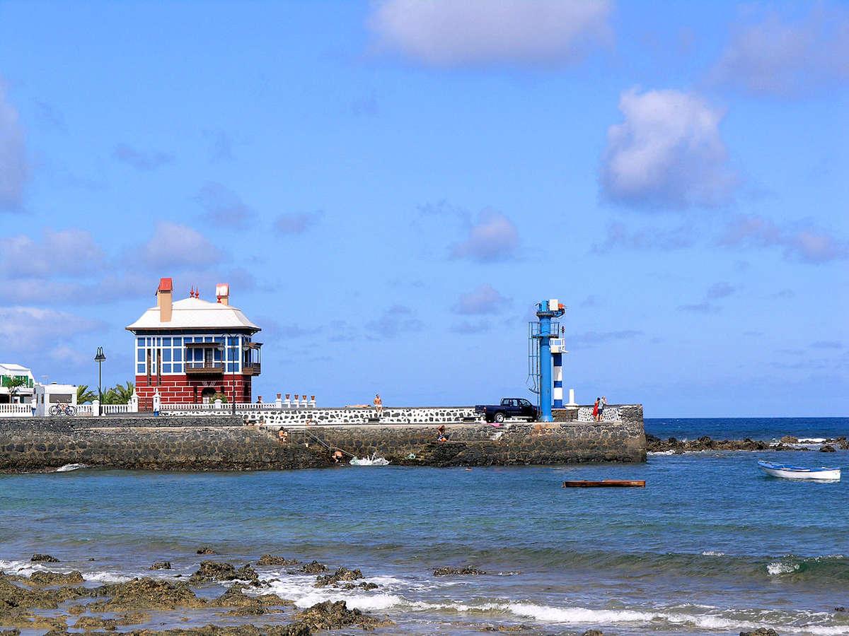 casa-azul-playa el-charcon-arietta-lanzarote