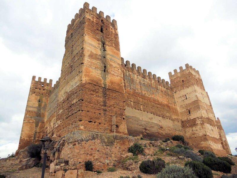 Castillo de Burgalimar en Baños de la Encina